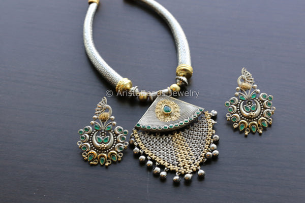 Dual Tone Emerald Hasli Necklace