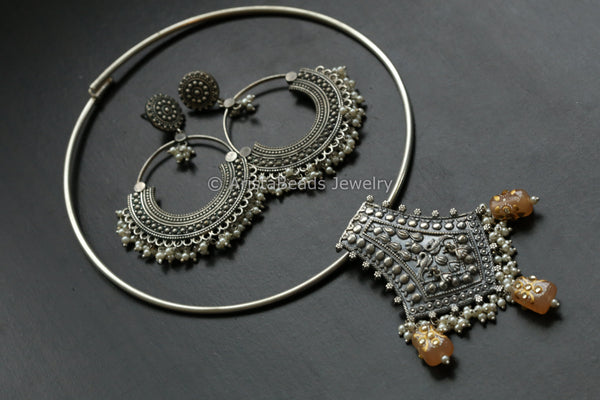 Tribal Hasli Necklace Set - Peach