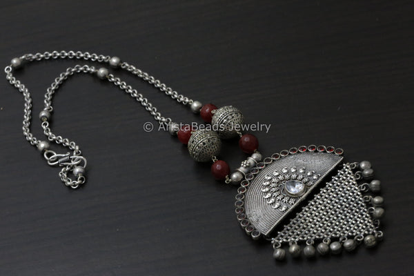 Tribal Metal Chain Necklace - Red
