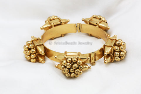 Antique Silver Replica Gold Ghungroo Bangle