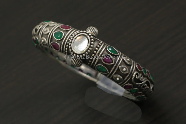Clear Stone And Kundan Silver Look Bangle