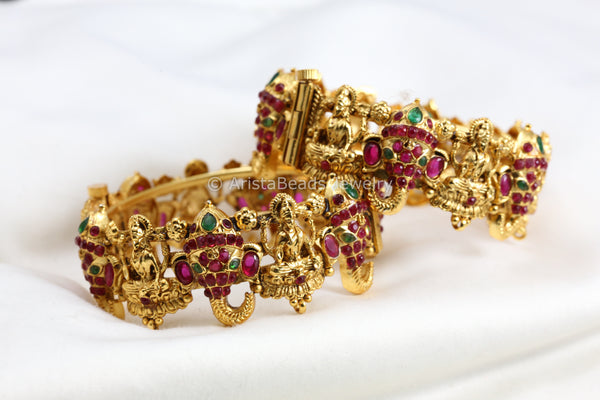 Antique Gold Ganesha Lakshmi Bangle (Openable)