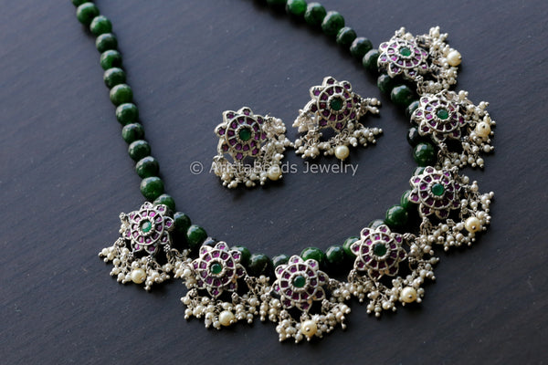 Oxidized Motif Green Beaded Necklace