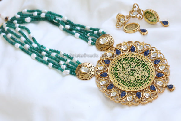 Extra Large Kundan Pendant Necklace