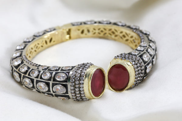 Contemporary Victorian Bracelet (Openable)