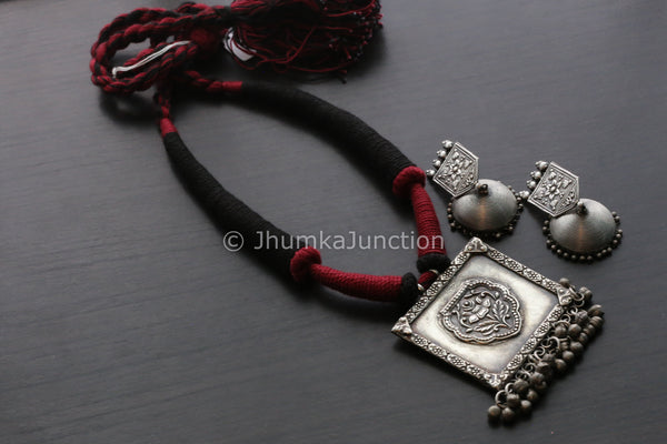 Tribal Thread Necklace - Black Red