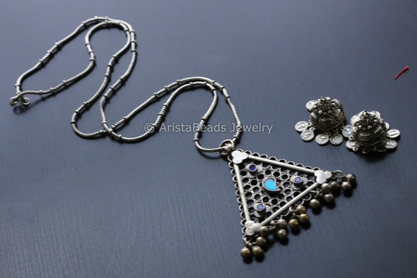 Long Glass Pendant in Oxidized Chain