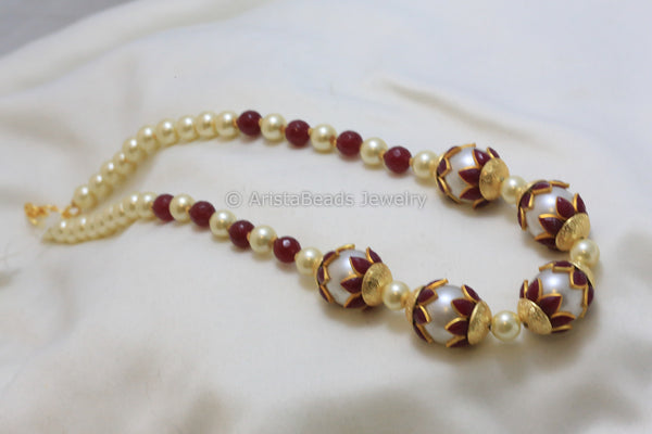 Red enamel beaded pearl necklace