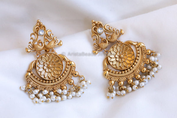 Antique Gold Kundan Earrings