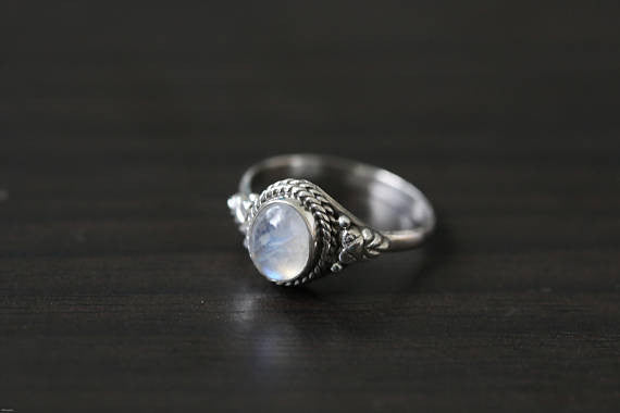 Cute Rainbow Moonstone 925 Silver Ring