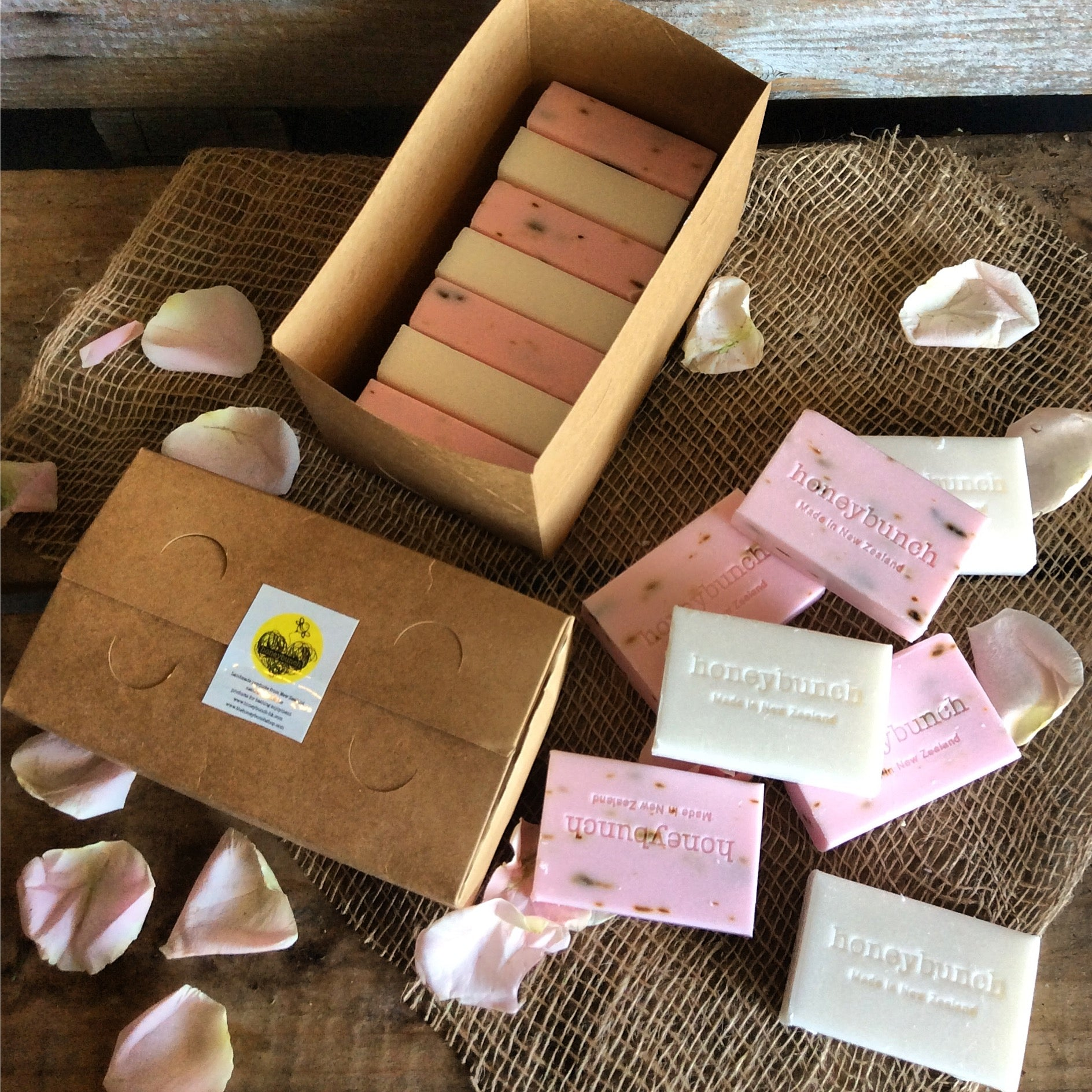 7 x natural manuka honey soap set