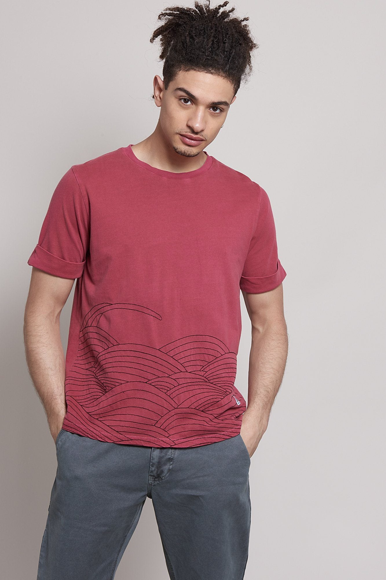 T-Shirt - SASHIKO Embroidery Organic Cotton T-Shirt Burnt Red