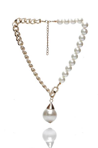 Svvelte Gold Toned Chain with a pearl pendant, Women Chain and Pendant, Svvelte - Svvelte