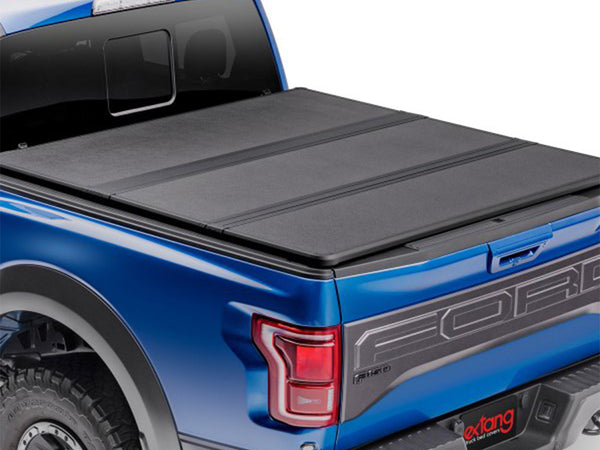 Extang 83486 Solid Fold 2.0 Tonneau Cover 17-20 Ford Super Duty 6'9
