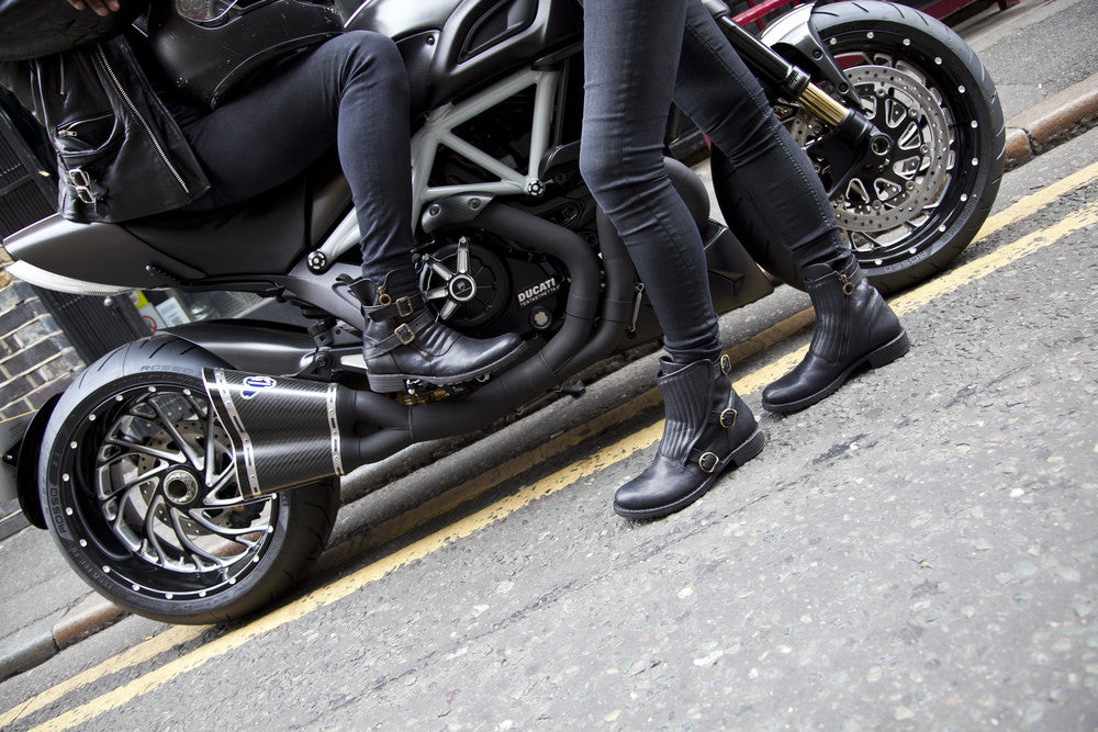 Motorcycle boots men {focus_keyword