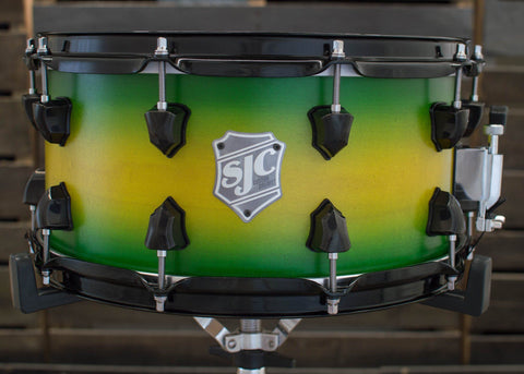 SJC Custom Drums USA Custom Snare Drum Maple ply Yellow to Green Satin Stain Burst