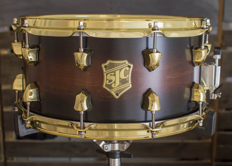 SJC Custom Drums USA Custom Snare Drum Maple Ply Walnut to Black Satin Burst