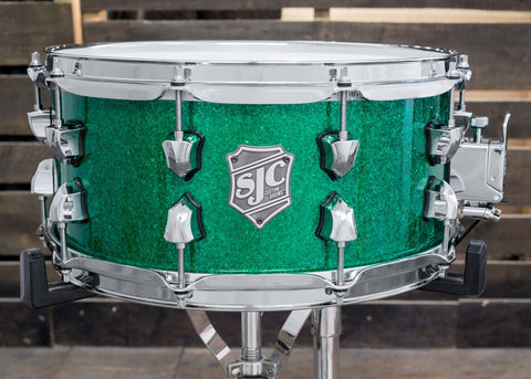 Green Glass Glitter Snare - #8821