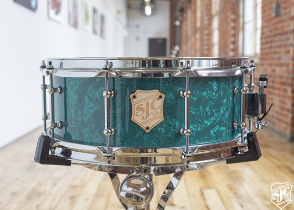 5.75x14 M5 Maple Snare - Deep Teal Diamond with Chrome Hardware