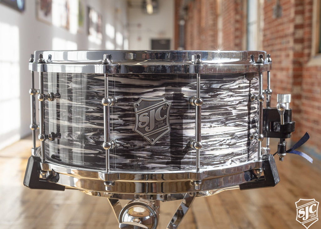 6.5x14 Steambent Maple Shell - Black Oyster with Chrome Hardware