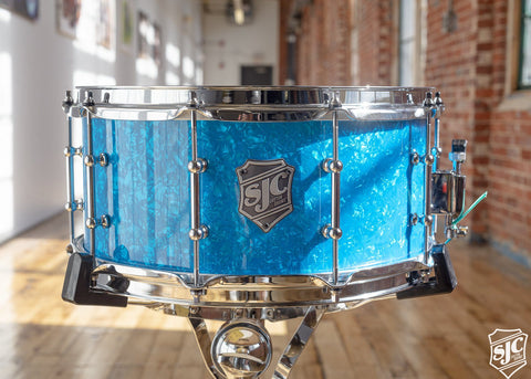 6.5x14 M5 Maple Snare - Blue Diamond with Chrome Hardware
