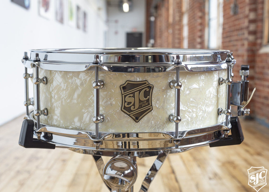 5x14 6ply Maple Snare - Glow in the dark Diamond