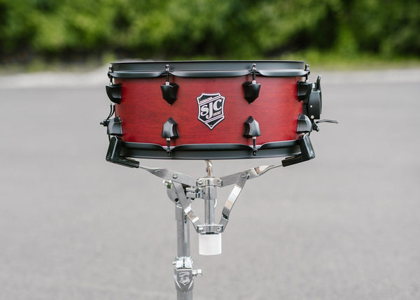 SJC Custom Drums USA Custom Snare Drum Agathis & Cherry Shells Crimson Super Satin Stain