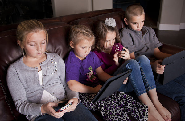 6 Easy Ways to Reduce Screen Time at Home for You and Your Kids