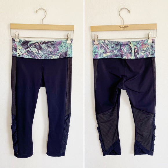 Lululemon Navy Cropped Leggings Size 6