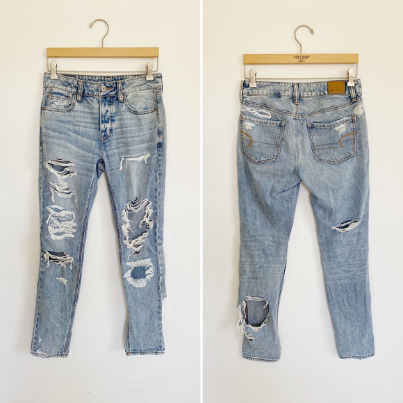 American Eagle Tom Girl Distressed Jeans 2L