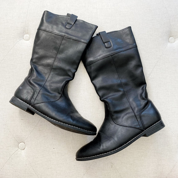 Old Navy Black Faux Leather Boots 5
