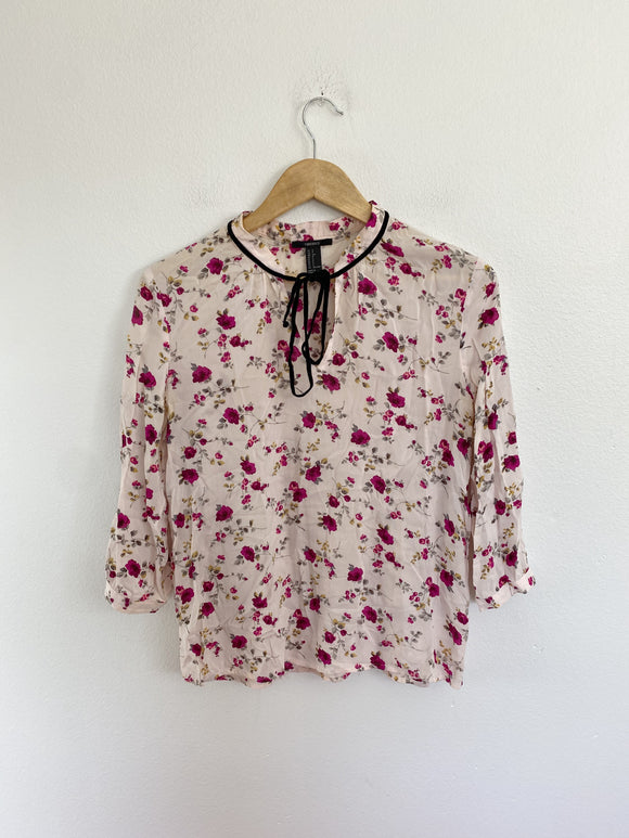 Forever 21 Floral Top size Small