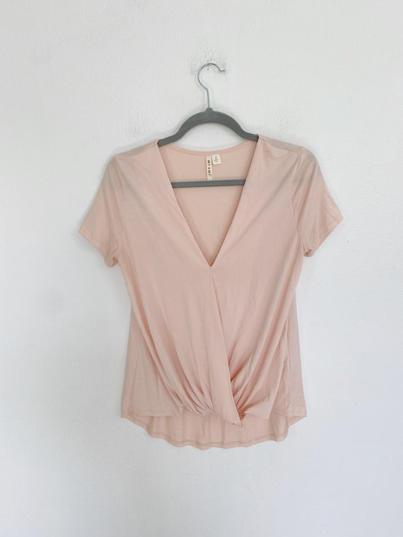 Francesca's light pink blush Top Small