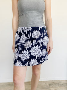 Crown & Ivy Printed Navy White Scallop Pencil Skirt NWT 6