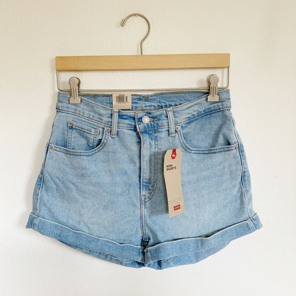 Levi's High Rise Mom Shorts Light Wash NWT 27