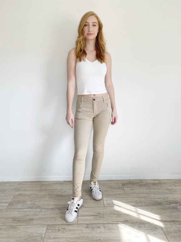 Joe's Skinny Khaki Pants 26