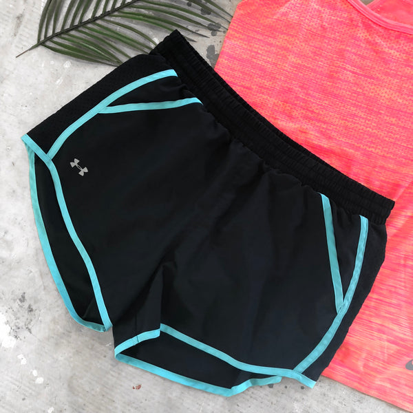Under Armour Workout Shorts - M