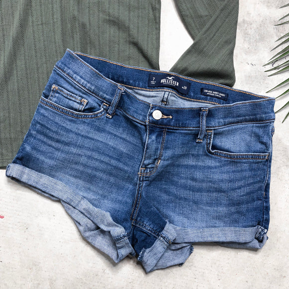 Hollister Shorts - Size 7