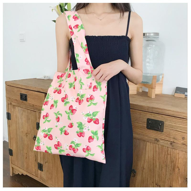 STRAWBERRY PRINT BAG