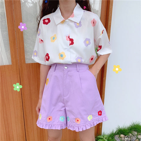 WOODEN EAR FLOWER EMBROIDERED SHORTS