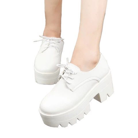 WHITE PLATFORM SHOES (4.5-8)