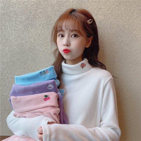 FRUIT EMBROIDERED HALF TURTLENECK FLEECE TOP
