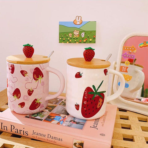 KAWAII STRAWBERRY WATER CUP