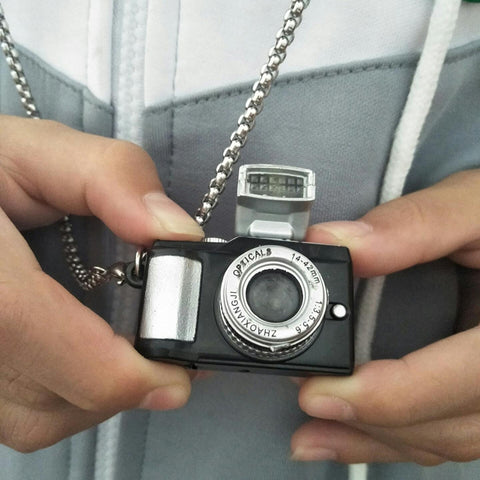 RETRO CAMERA PENDANT NECKLACE