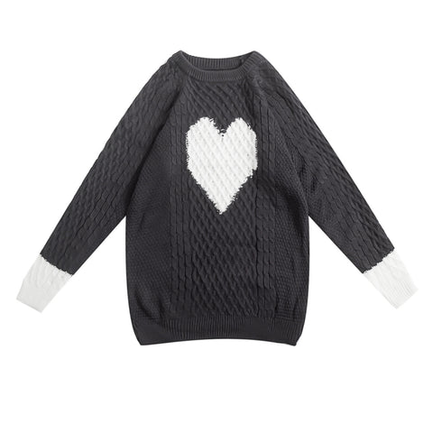 B&W HEART KNITTED