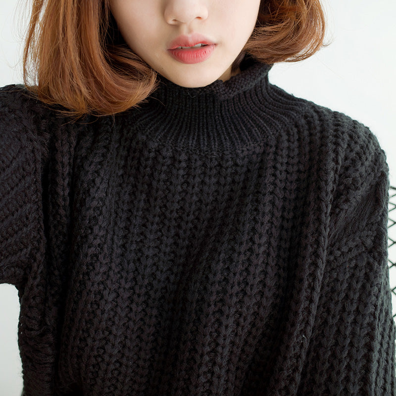 KNITTED TURTLENECKS