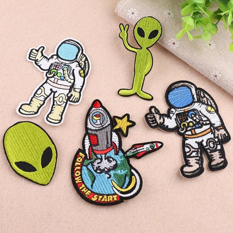 ASTRONAUT AND ALIEN PATCHES