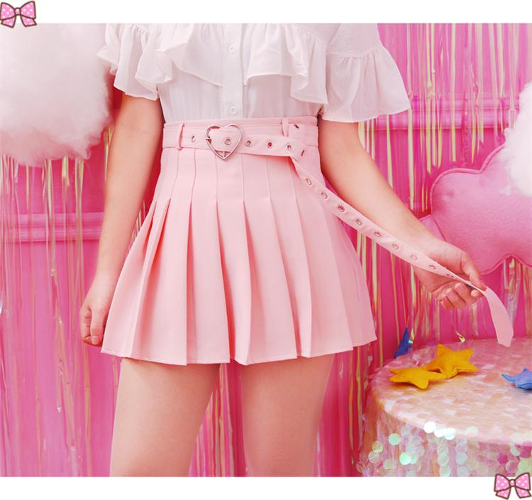 PLEATED SKIRT WITH HEART BELT