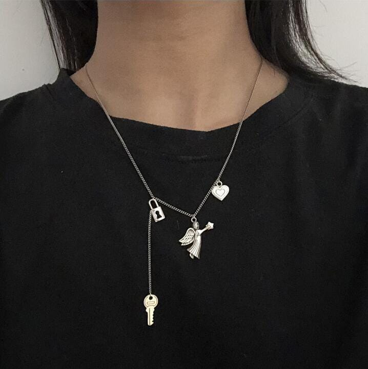 CUPID SHOOTER LOCK HEART NECKLACE