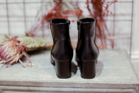 Dolly Black Boots
